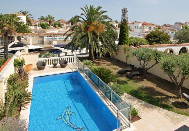 Villa met privézwembad