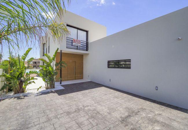 Villa in Empuriabrava - LV18 TER 6A     LOS GRANJEROS