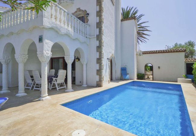 Villa in Empuriabrava - LV17 PORT-PRIMER