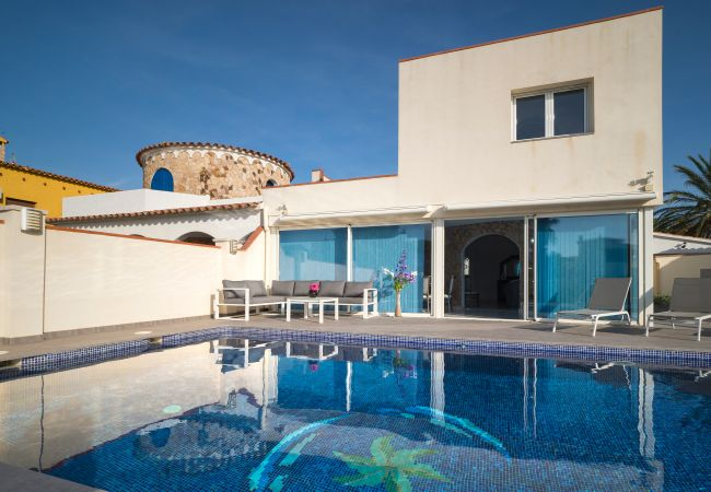 Villa in Empuriabrava - LV19 FALCONERA 19